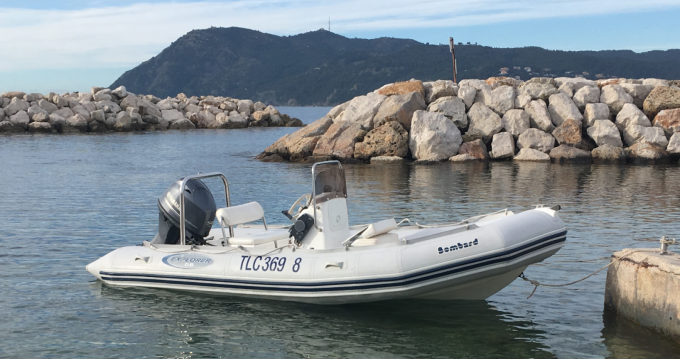 Rubberboot te huur in La Seyne-sur-Mer voor de beste prijs