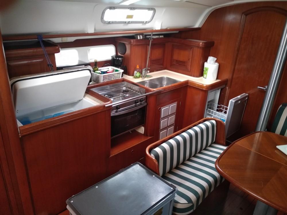 Jachthuur in Grand-Bourg - Bénéteau Oceanis 411 Clipper via SamBoat
