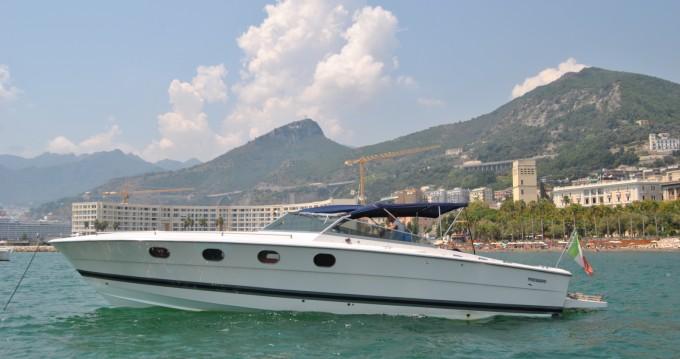 Huur Motorboot met of zonder schipper Tornado in Salerno