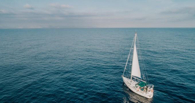 Huur een Bénéteau Oceanis 38.1 in Rethimnon
