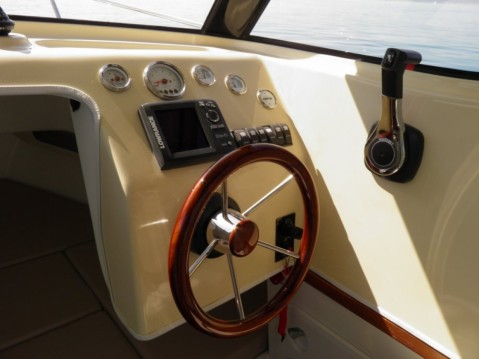Huur Motorboot met of zonder schipper Fortis in Trogir