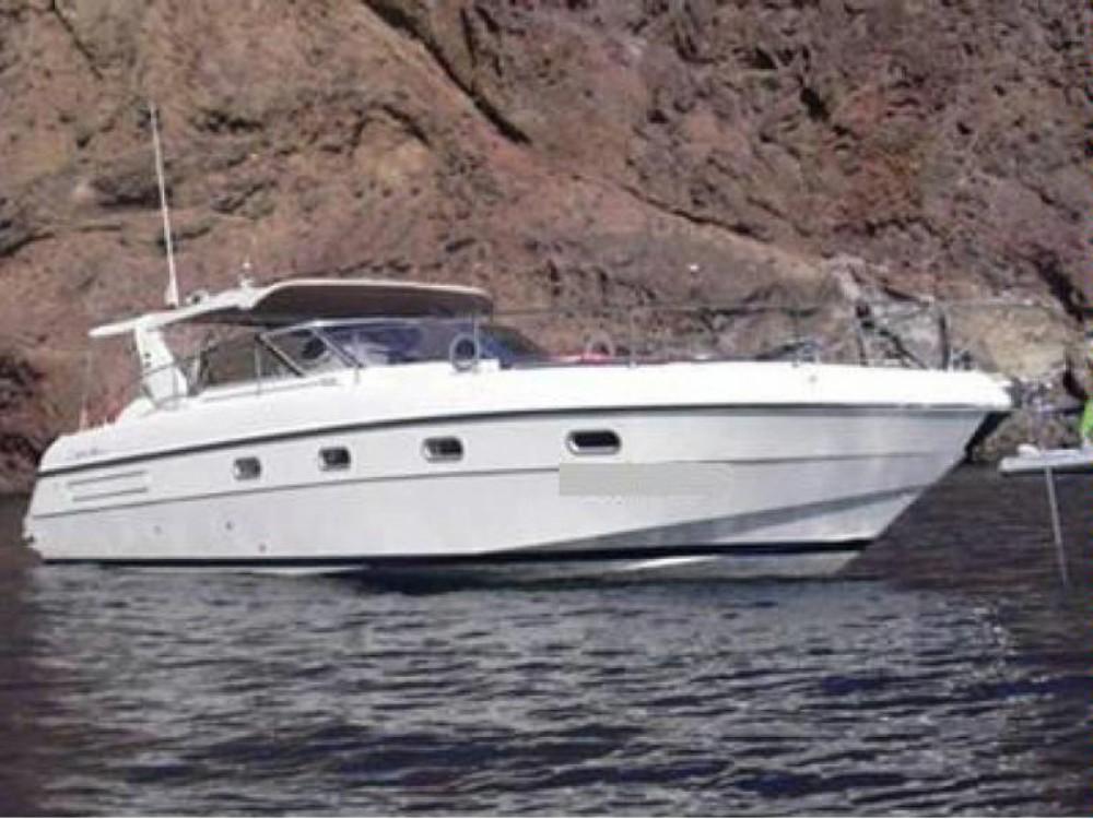 Huur Motorboot met of zonder schipper Fiart in Napels