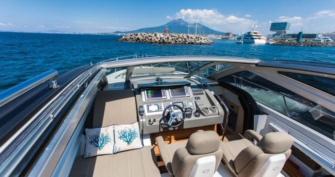 Huur Jacht met of zonder schipper Cranchi in Castellammare di Stabia