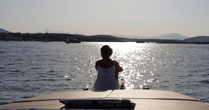 Verhuur Motorboot Dual Craft met vaarbewijs