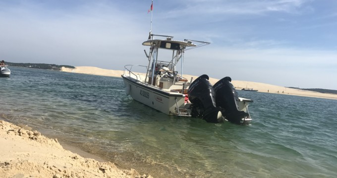 Verhuur Motorboot in Lège-Cap-Ferret - Boston Whaler Boston Whaler 250 Outrage