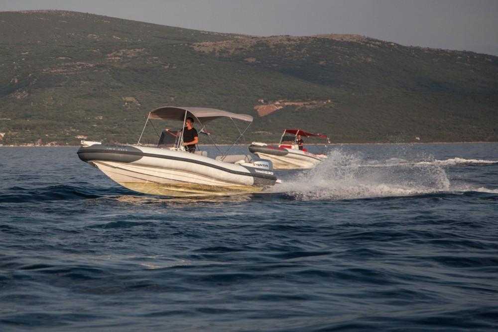 Huur Rubberboot met of zonder schipper Marlin Boat in Krk