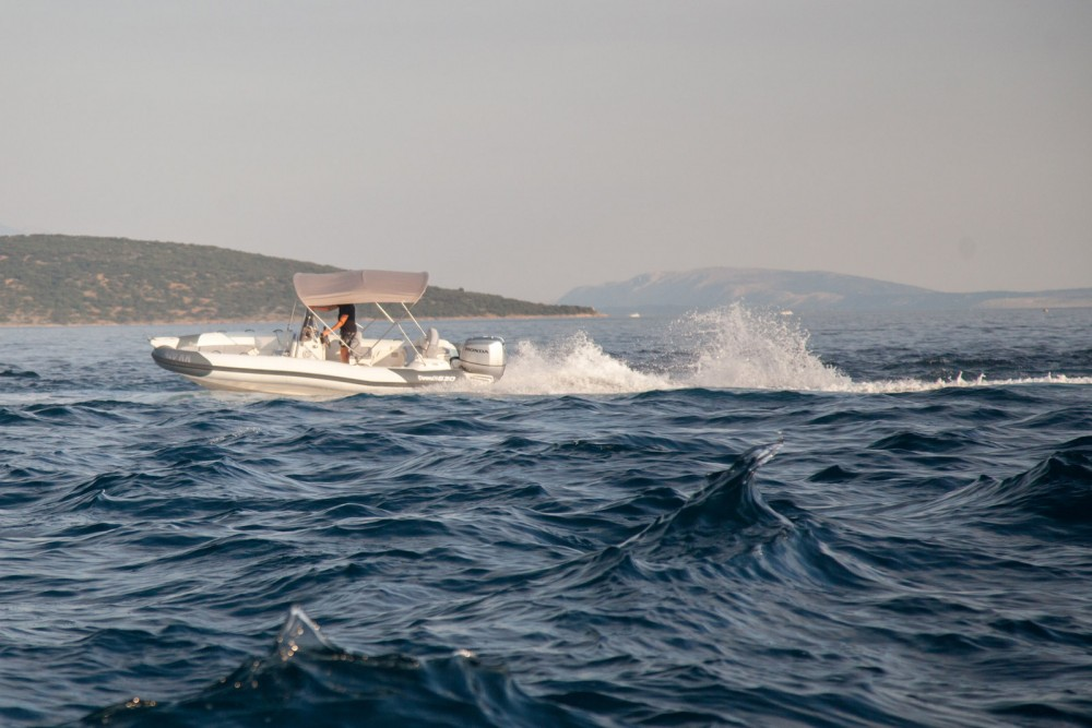 Bootverhuur Marlin Boat Dynamic 630 in Krk via SamBoat