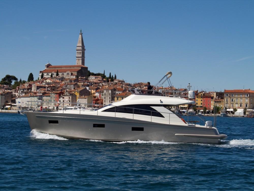 Motorboot te huur in Rovinj voor de beste prijs
