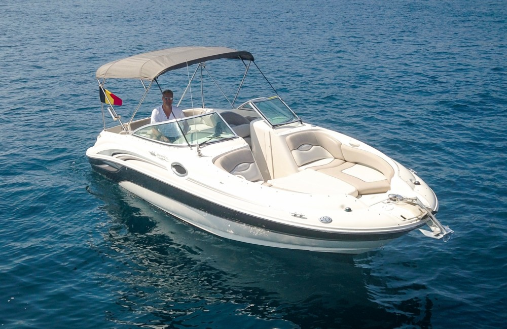 Jachthuur in Mandelieu-la-Napoule - Sea Ray Sea Ray 240 Sundeck via SamBoat