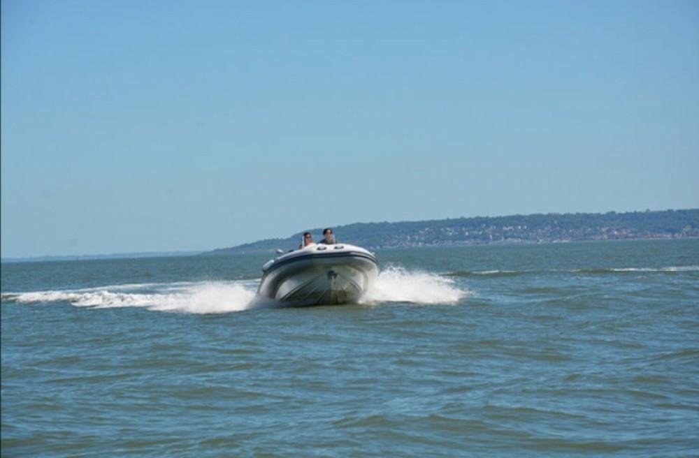 Verhuur Rubberboot Kelt met vaarbewijs