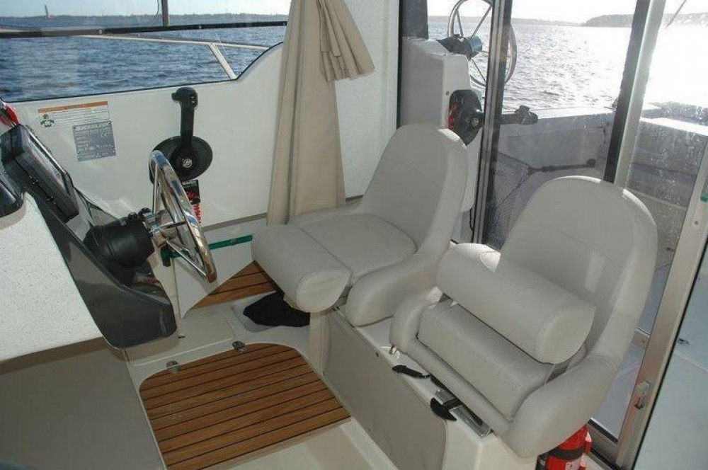 Quicksilver Activ 605 Pilothouse te huur van particulier of professional in Clohars-Carnoët