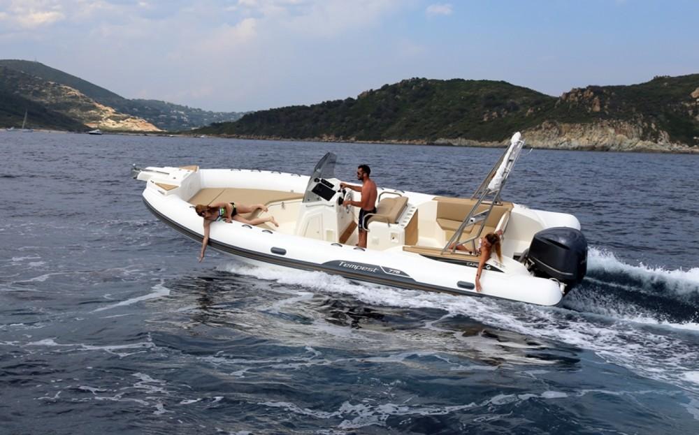 Verhuur Rubberboot in Eivissa - Capelli Tempest 775