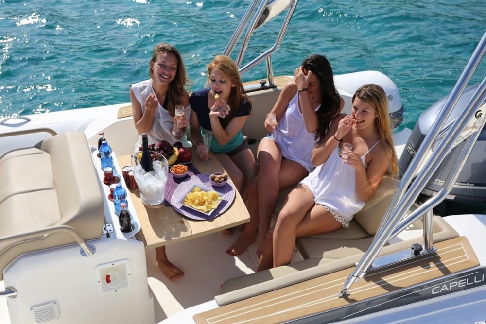 Bootverhuur Capelli Tempest 775 in Eivissa via SamBoat