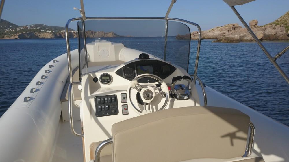 Verhuur Rubberboot in Eivissa - Capelli Tempest 900 Sun