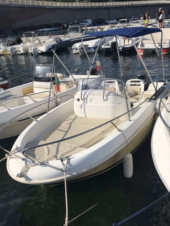 Huur Motorboot met of zonder schipper Jeanneau in Saint-Raphaël
