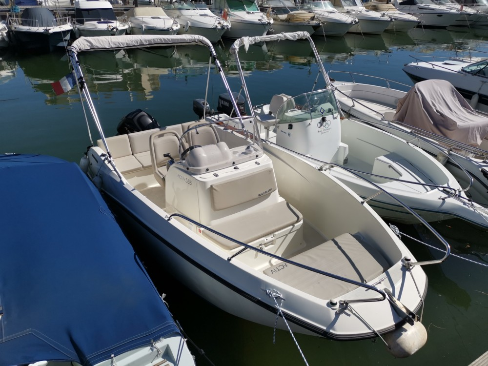 Verhuur Motorboot in Mandelieu-la-Napoule - Quicksilver Activ 555 Open