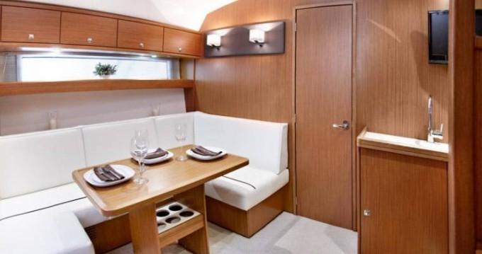 Bootverhuur Ibiza Island goedkoop Bavaria 39 HT