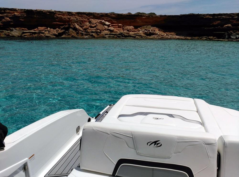 Bootverhuur Monterey 298 SS in Marina Ibiza via SamBoat