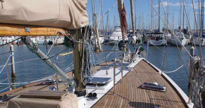 Verhuur Zeilboot in Le Grau-du-Roi - Herbulot Beaufort 60