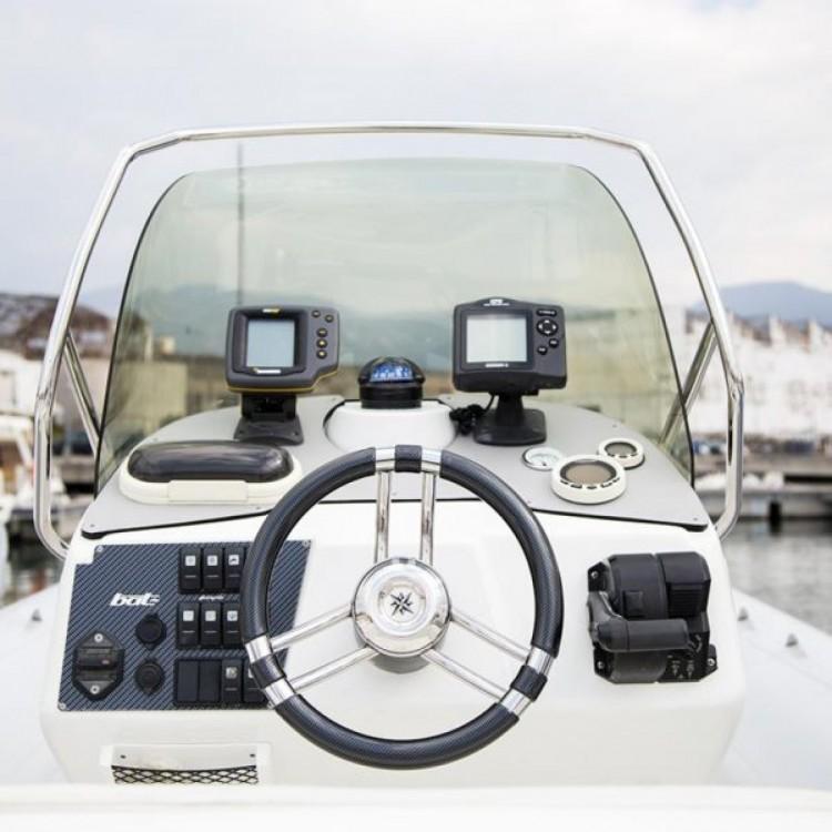 Bootverhuur Vira SUZUKI 2*300hp in Castellammare di Stabia via SamBoat