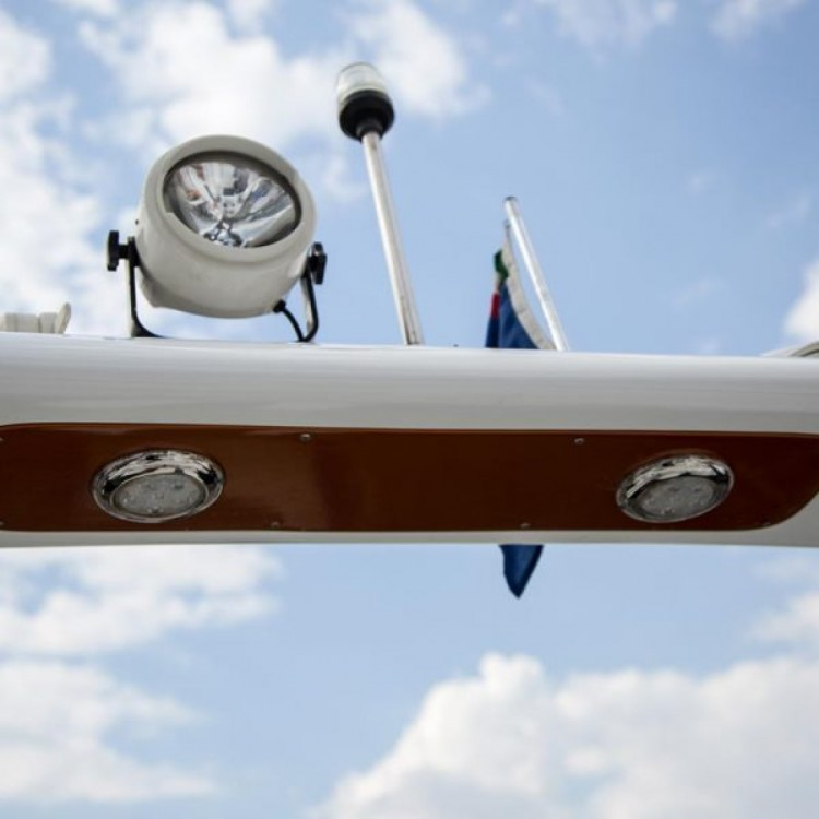 Verhuur Rubberboot in Castellammare di Stabia - Vira SUZUKI 2*300hp