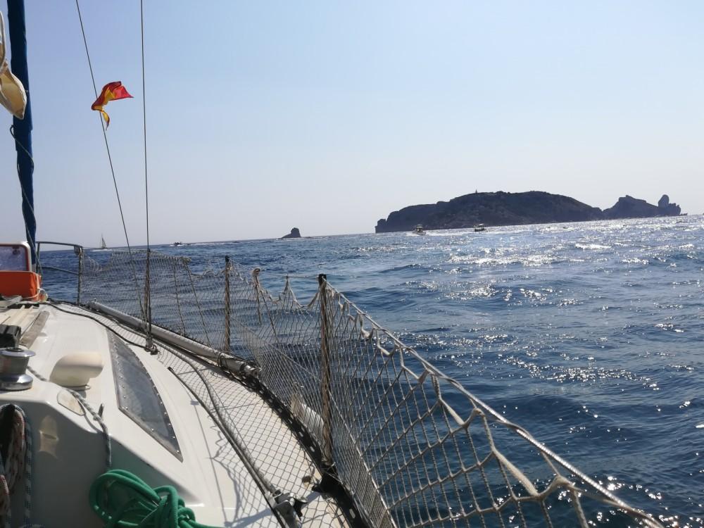 Verhuur Zeilboot in La Grande-Motte - Neptune Trident 80
