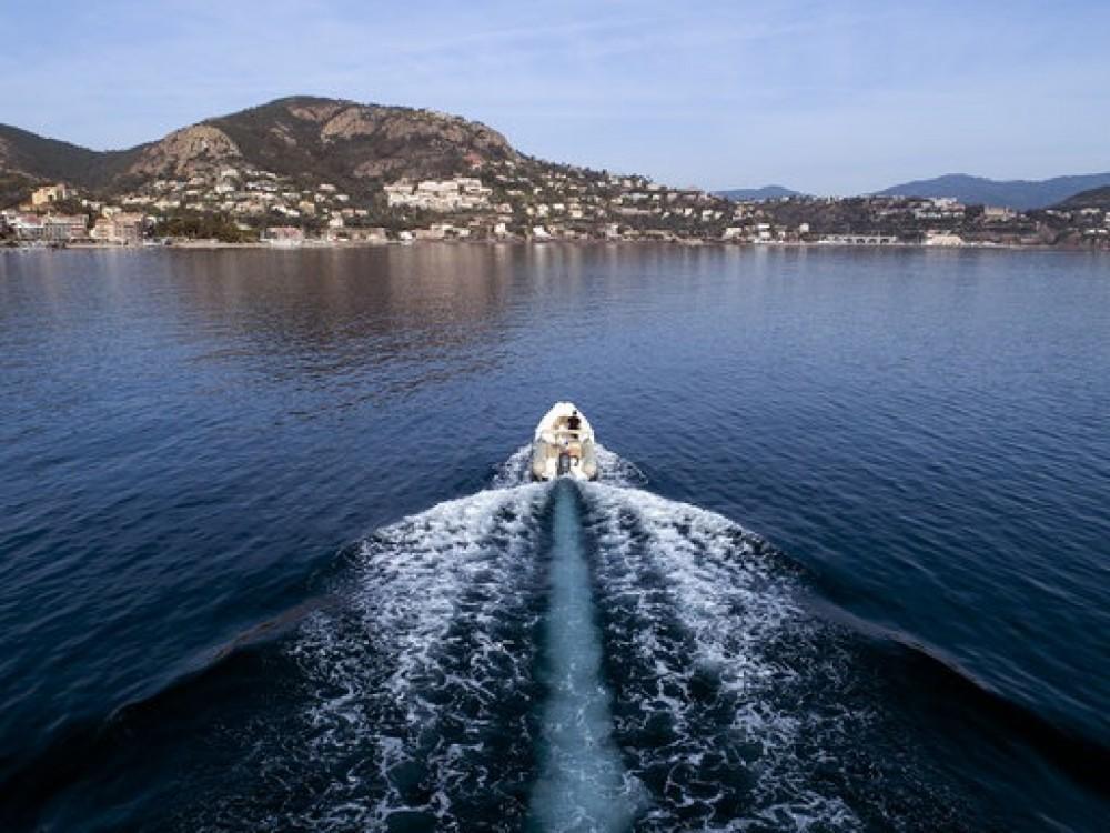 Verhuur Rubberboot in Cannes - Zodiac Medline 650