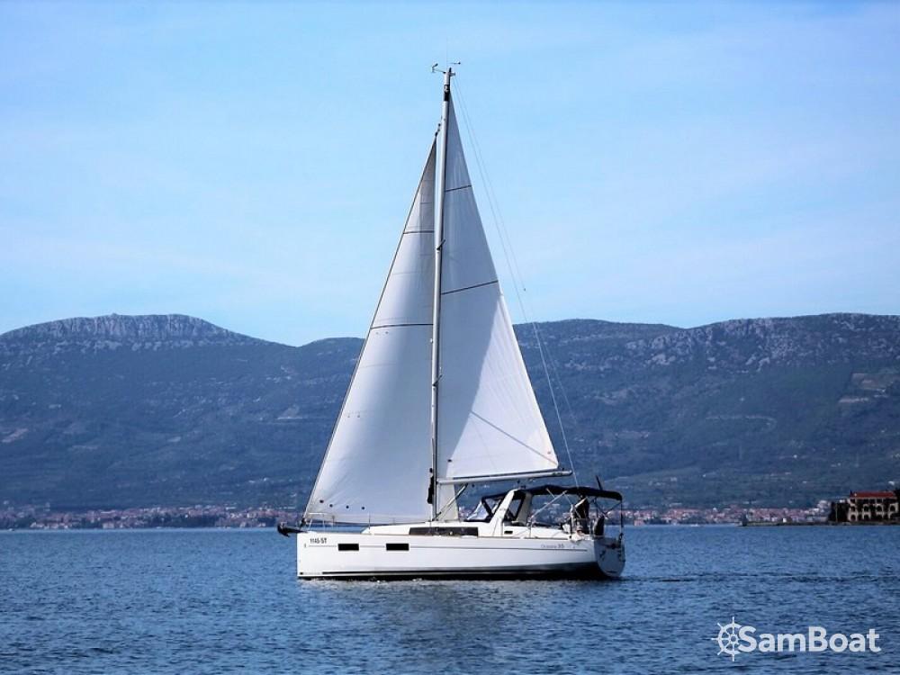 Bootverhuur Split goedkoop Oceanis 35 Cruiser