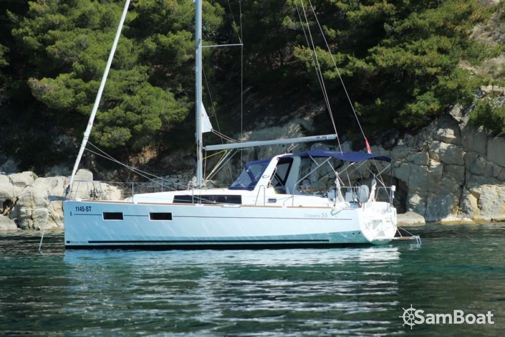 Huur een Bénéteau Oceanis 35 Cruiser in Split