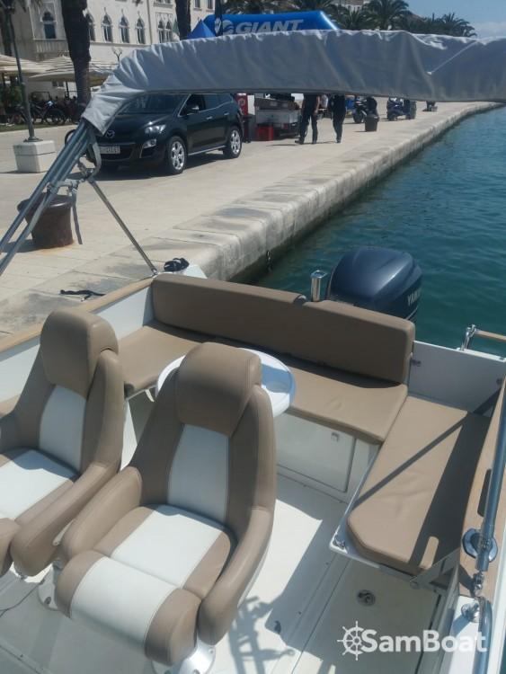 Bootverhuur Trogir goedkoop Cap Camarat 755 WA