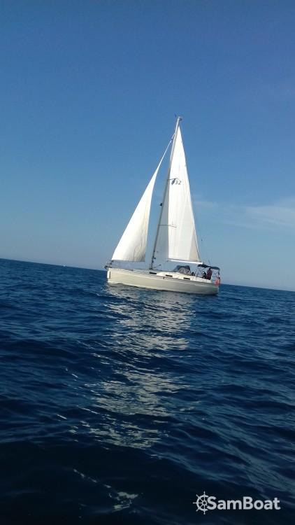 Huur een Bavaria Cruiser 32 in Saint-Cyprien