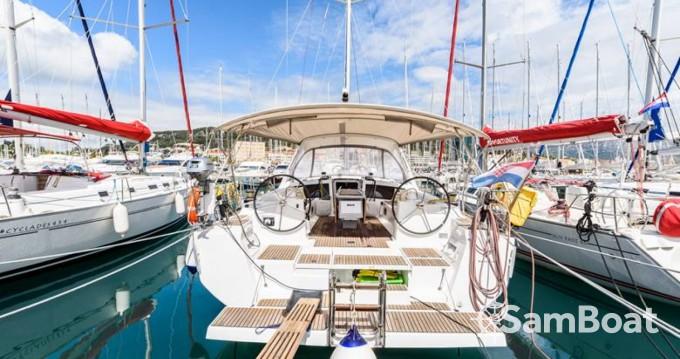 Huur een Bénéteau Oceanis 48 in Split