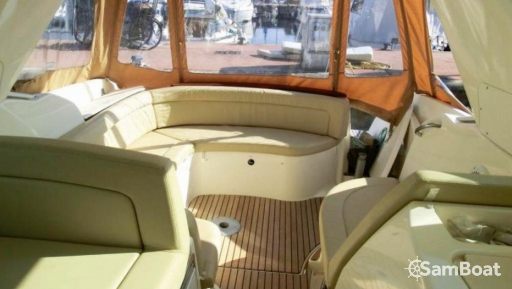 Jeanneau Prestige 30 Sport Top te huur van particulier of professional in Fort-de-France