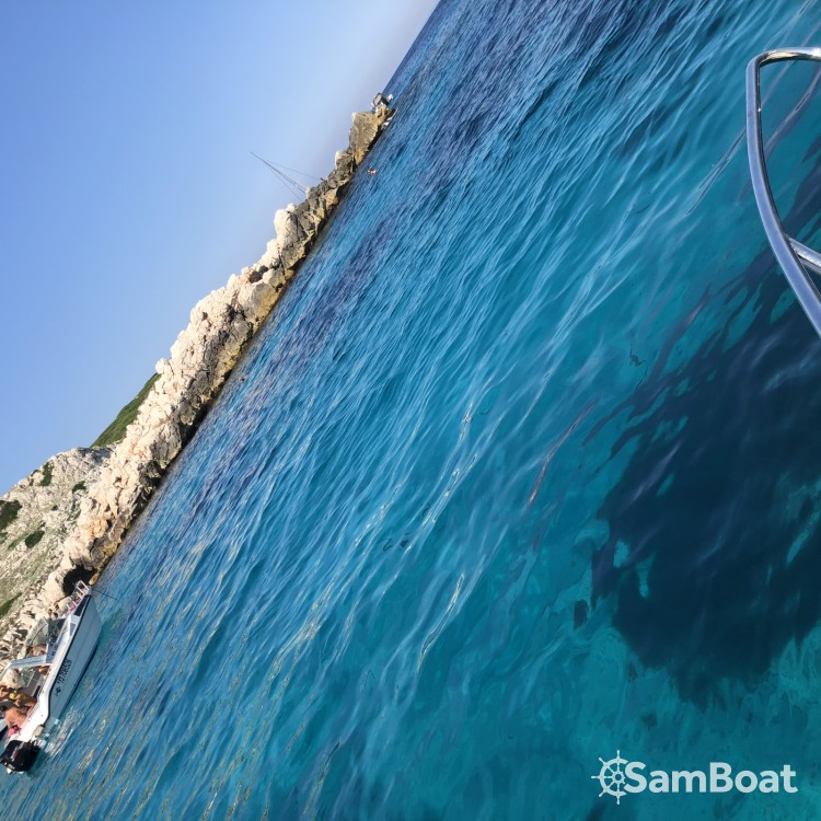 Verhuur Motorboot in Marseille - Quicksilver Quicksilver 675 Activ Sundeck