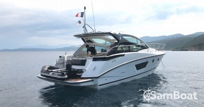 Huur Motorboot met of zonder schipper Bénéteau in Ajaccio