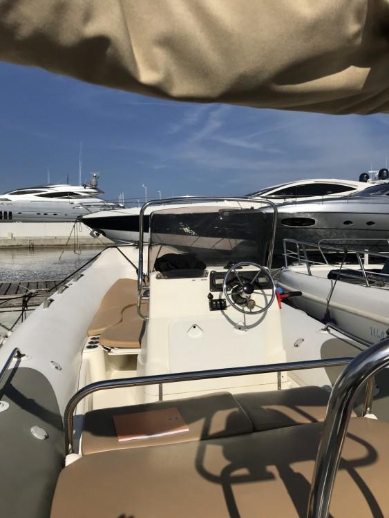 Rubberboot te huur in Cannes voor de beste prijs