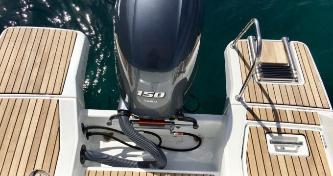 Bootverhuur Jeanneau Cap Camarat 6.5 WA Serie 3 in Antibes via SamBoat