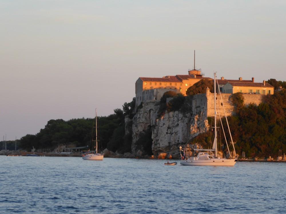 Bénéteau Oceanis 48 te huur van particulier of professional in Nice