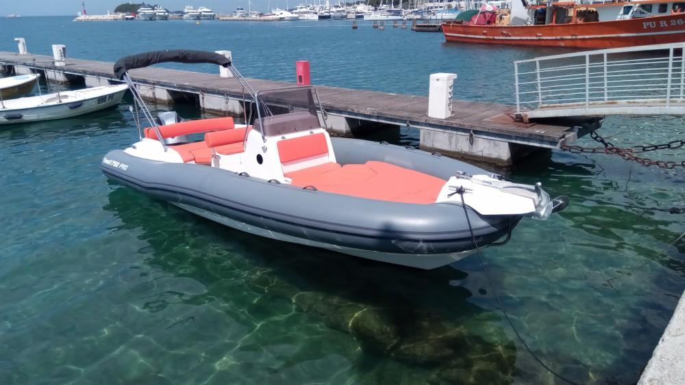 Marlin Boat MARLIN 790 PRO GRAY ORANGE te huur van particulier of professional in Vrsar