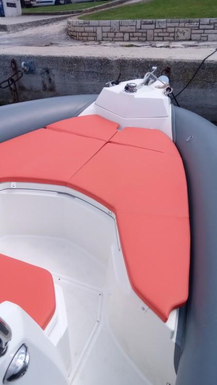 Huur een Marlin Boat MARLIN 790 PRO GRAY ORANGE in Vrsar