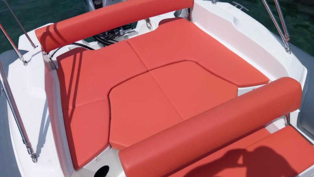 Rubberboot te huur in Vrsar voor de beste prijs