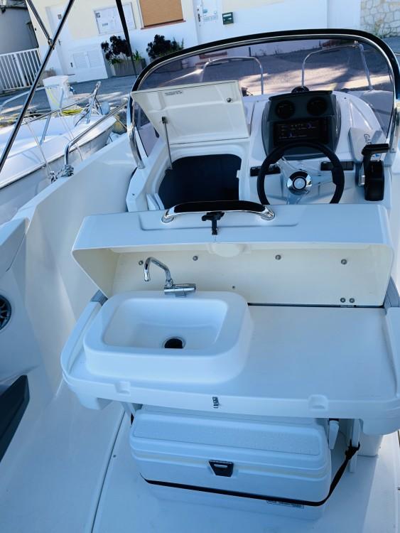 Motorboot te huur in Èze voor de beste prijs