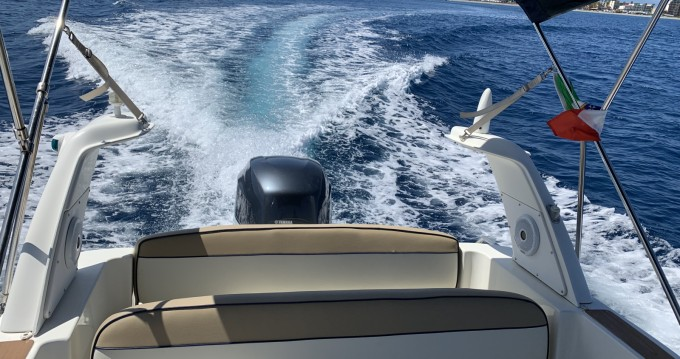 Verhuur Rubberboot Marlin Boat met vaarbewijs