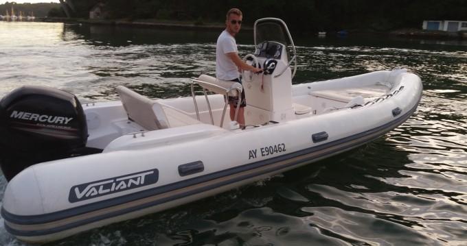 Rubberboot te huur in Bono voor de beste prijs