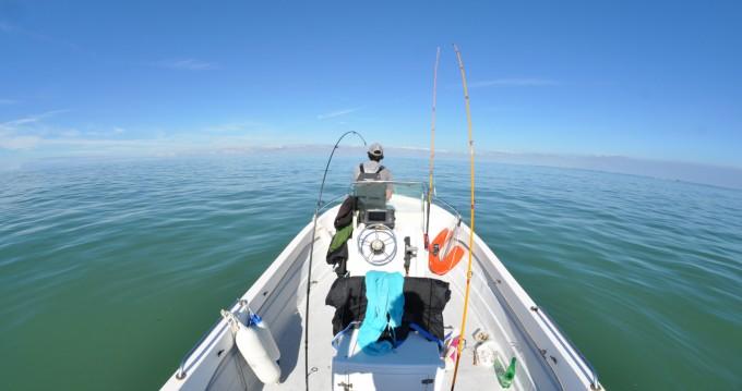 Verhuur Motorboot fibramar met vaarbewijs