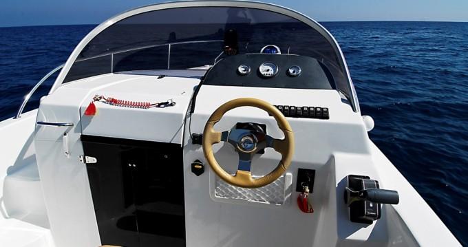 Verhuur Motorboot SAVER 620 WA met vaarbewijs