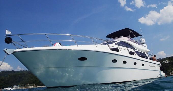 Huur Motorboot met of zonder schipper Uniesse in La Spezia