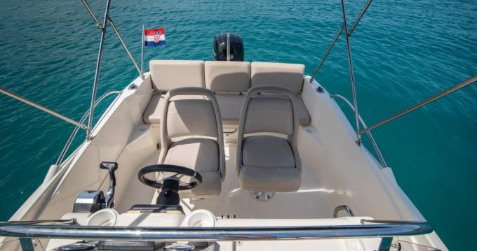Verhuur Motorboot in Trogir - Quicksilver Activ 605 Open