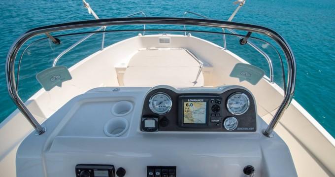 Huur een Quicksilver Activ 555 Open in Trogir
