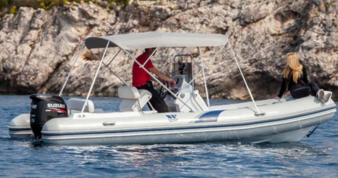 Rubberboot te huur in Trogir voor de beste prijs
